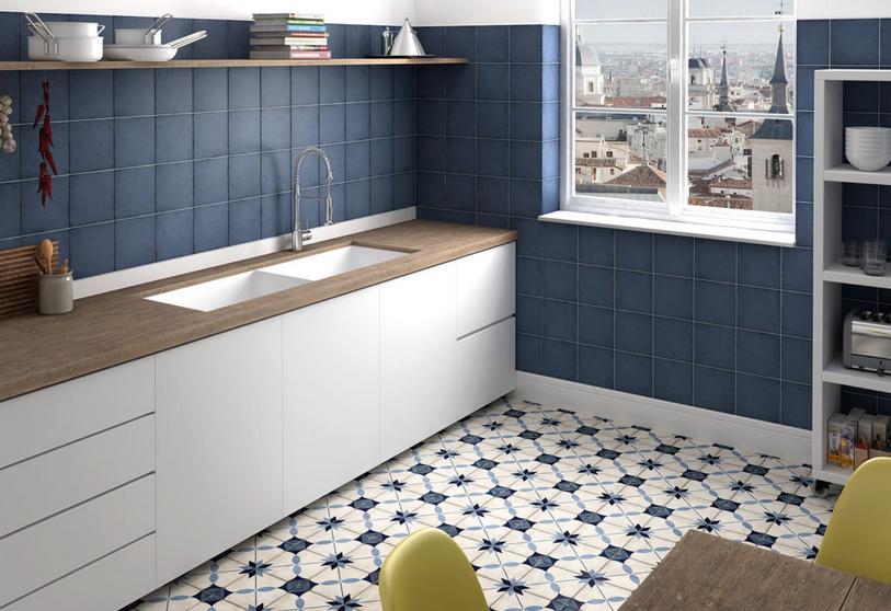 series Modrobílá dlažba do kuchyně se vzorem Equipe Art Nouveau