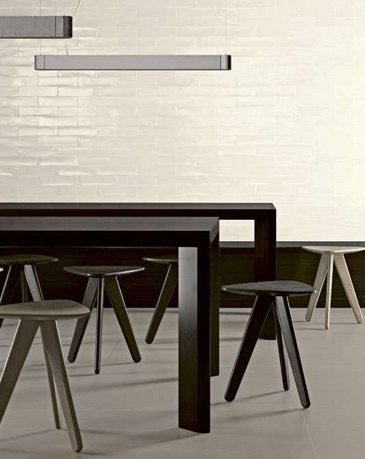 series Deceram Mayolica Ivory - světle krémové lesklé retro obklady za dobrou cenu