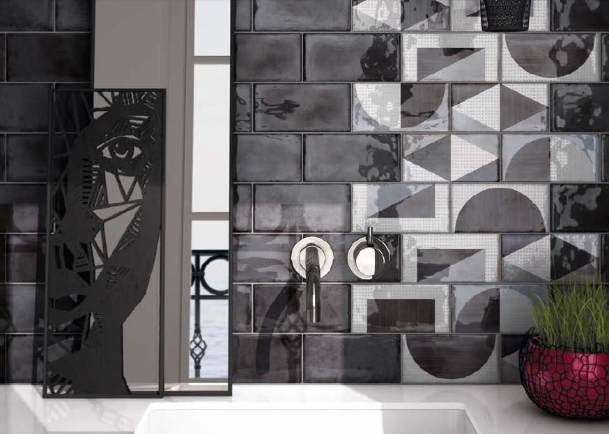 series Černobílé obklady do koupelny s geometrickým vzorem Equipe Splendours