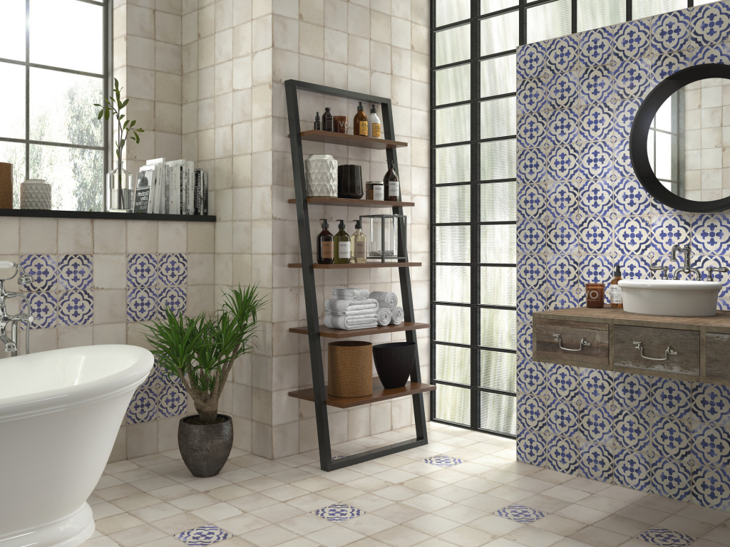 series Starobyle působící koupelna v modrém APE Carmen Village