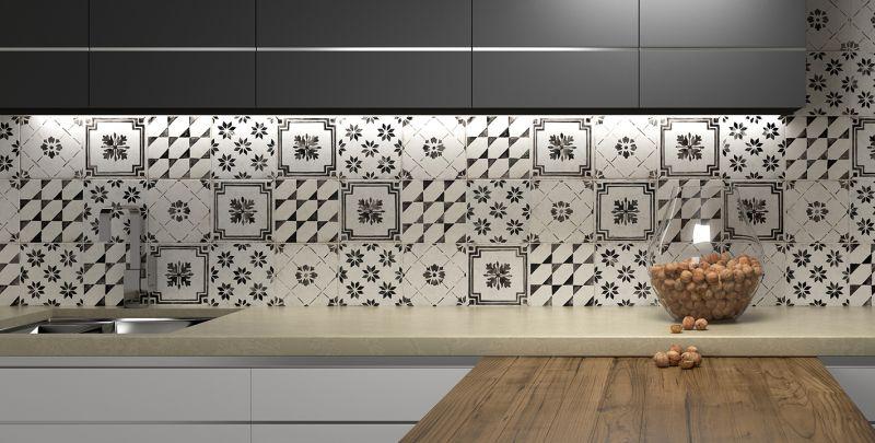 series Černobílý dekorovaný obklad Del Conca Sorrentina